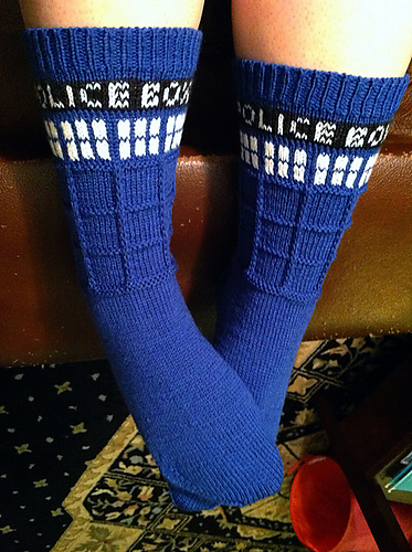Knitting Pattern For Tardis Socks : 10 Free Nerdy Knitting Patterns!   The Crafty Nerd