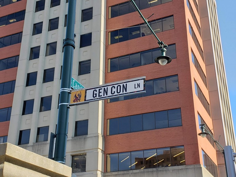Georgia St. sign in downtown Indy temporarily replaced with a Gen Con Ln sign.